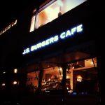 ベイクルーズグループが展開する「J.S. BURGERS CAFE」の限定バーガーを食べてみる。