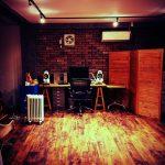 事務所を安くカッコよくする。品川駅にあるサンゲツのショールームで壁紙と床材を選ぼう。